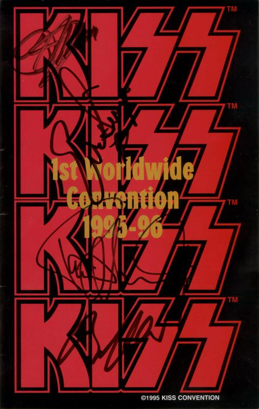 Signed kiss konvention book